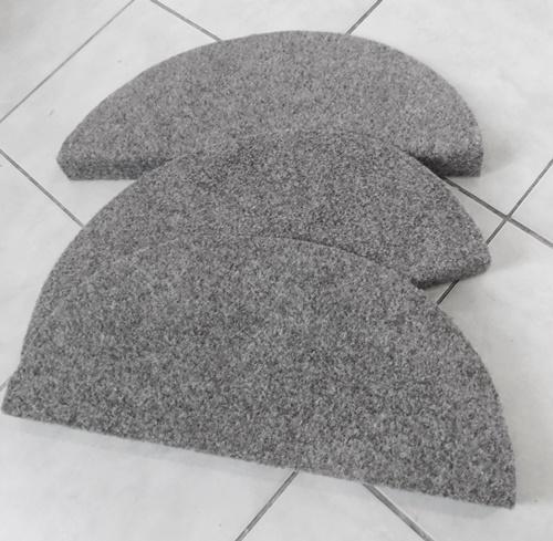 Lépcsőszőnyeg nagy buklé szürke EQU pihenőszőnyeg/Cikksz:0532348