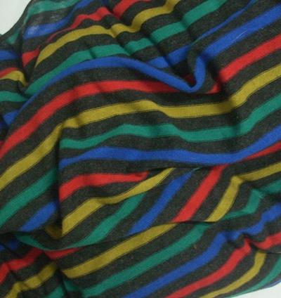 Fekete színes vékony csíkos pamutjersey maradék egyfalas 80x140cm/Cikksz:125038